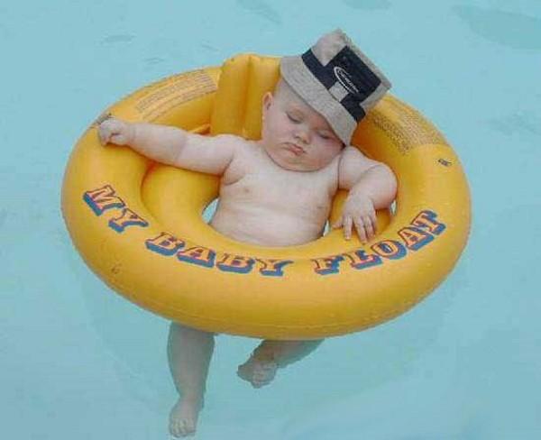 Yüzmenin Keyfini Çıkartan 5 Bebeğin Sevimli Hali